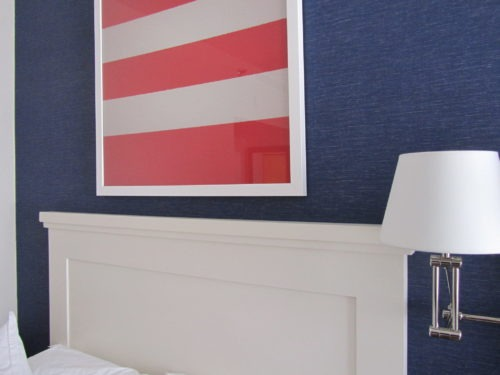 Nautical decor I loved at a hotel in San Diego. I love grasscloth wallpaper, and navy? And the simple art? Yes please!