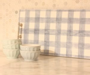 Adorable Gingham Tray Using Bungalow 47™ Furniture Paint