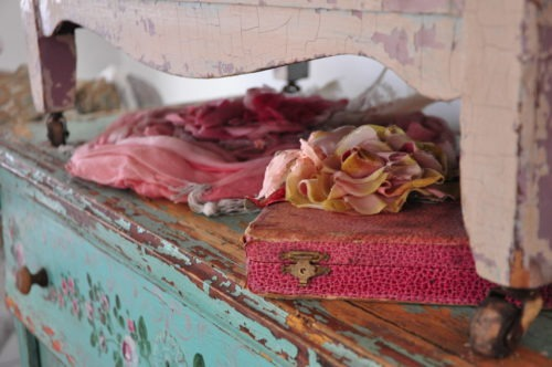 Beautiful color and yummy texture found at the shabby chic 'Prairie'.