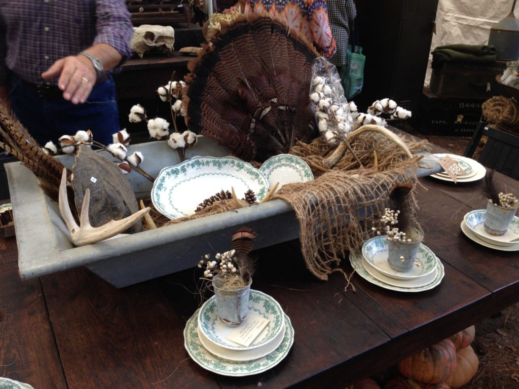 Thanksgiving table inspiration. Would the turkey feathers creep you out?